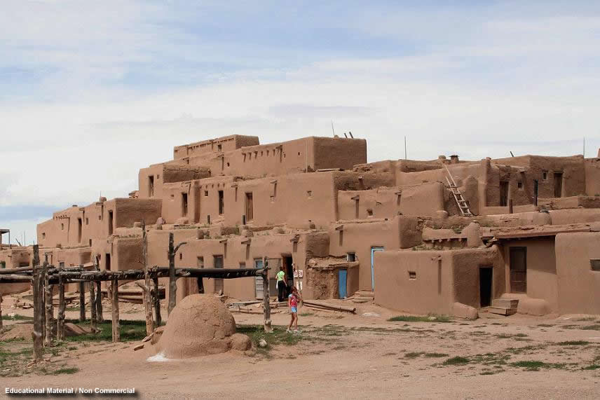 The pueblo indians for Pueblo home builders